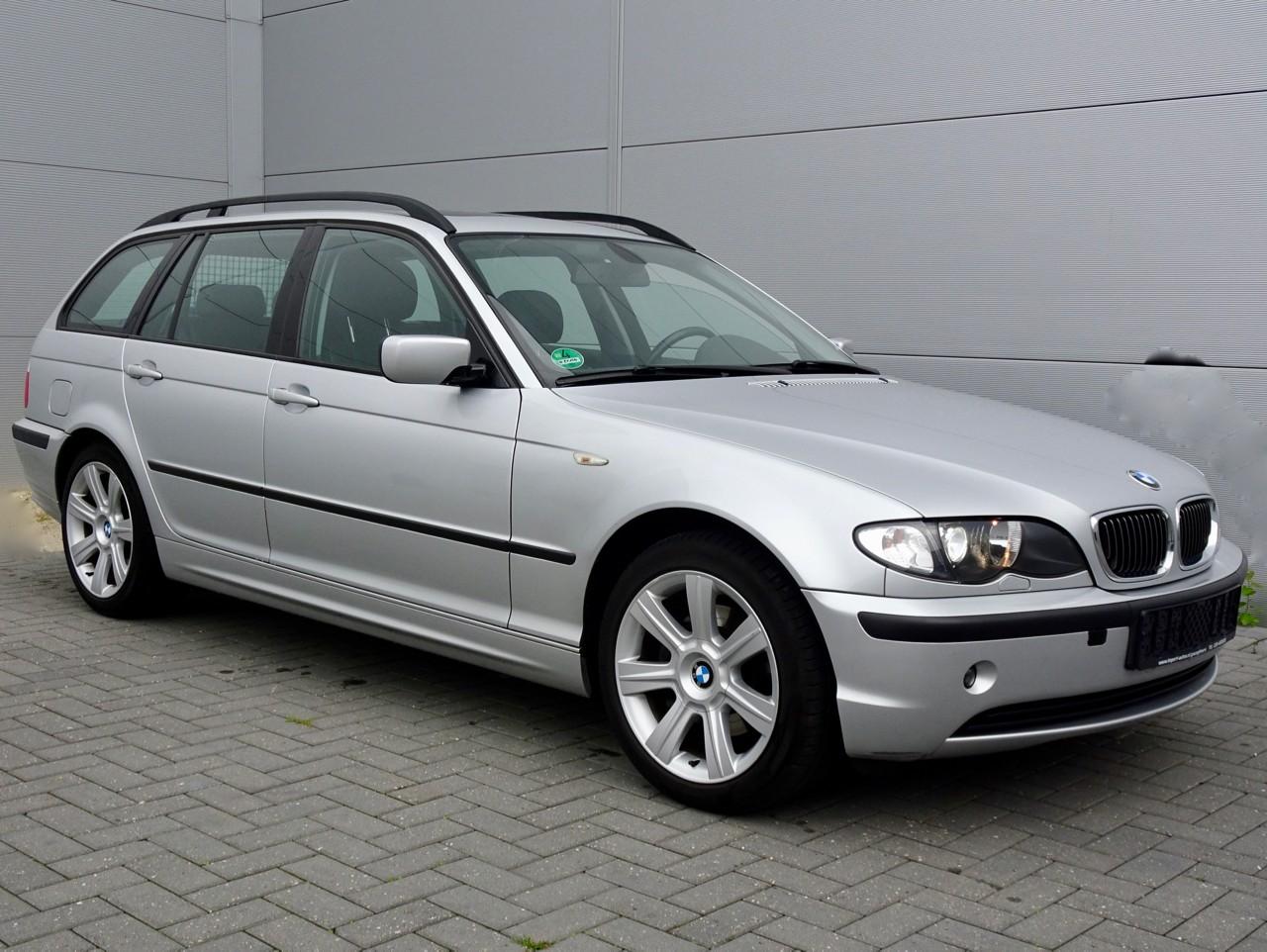 Youngtimer BMW 325i Touring E46 Executive - 85.000 km - € 11.995,-